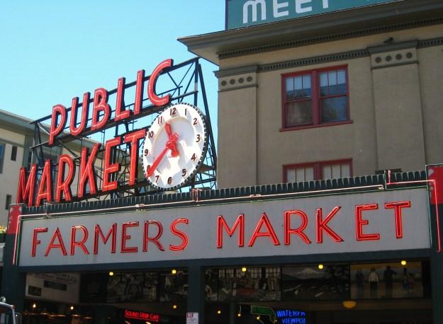 Pike_Place_Market_Clock